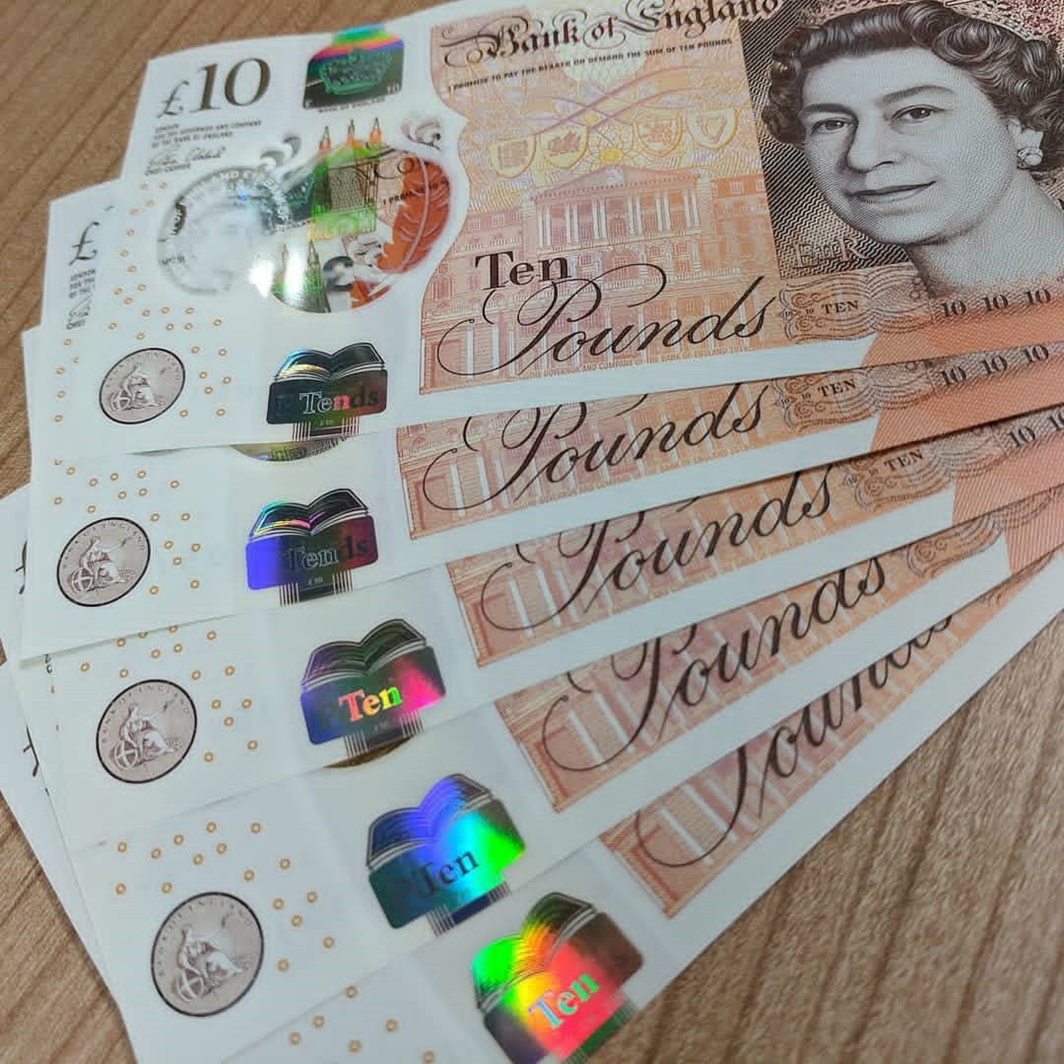 Where to buy counterfeit pounds in UK